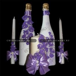 Свадебные бутылки в сиреневом варианте декора  www.crystalmary.ru