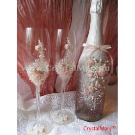Свадебные бокалы белые  www.crystalmary.ru