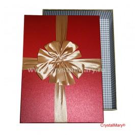Яркая красивая подарочная коробка с бантом  www.crystalmary.ru
