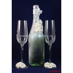 Бутылка шампанского со стразами