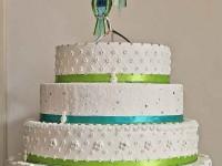Свадебный торт, украшенный Swarovski
