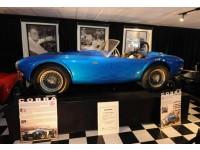 Самый дорогой в мире автомобиль, 50-летний Shelby Cobra, возвращается в Нью-Йорк