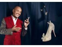 Кристиан Лабутен создал туфельки Золушки с красной подошвой и кристаллами Swarovski