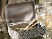 Шкатулка для украшений, украшенная Swarovski