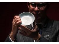900-летняя старинная редкая чаша из китайского фарфора продана на аукционе за 27 миллионов долларов.
