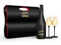 Бутылка шампанского, украшенная стразами Swarovski