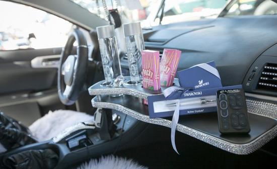 Lexus со стразами сваровски