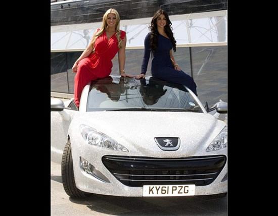 Автомобиль Peugeot RCZ, инкрустированный бриллиантами