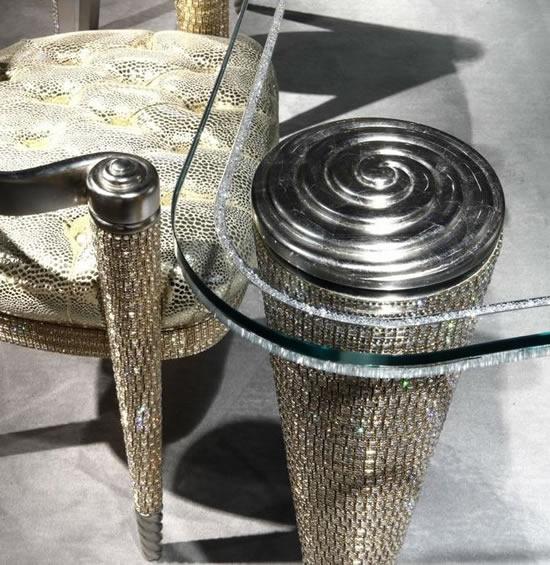 позолоченный обеденный стол