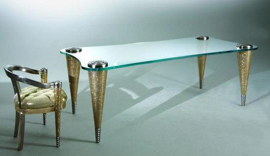 позолоченный обеденный стол со стразами