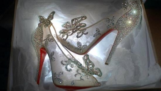 туфли со стразами от Кристиана Лабутена