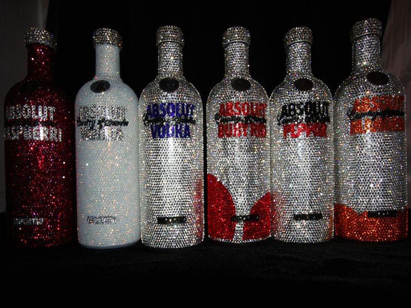 бутылка водки абсолют со стразами сваровски