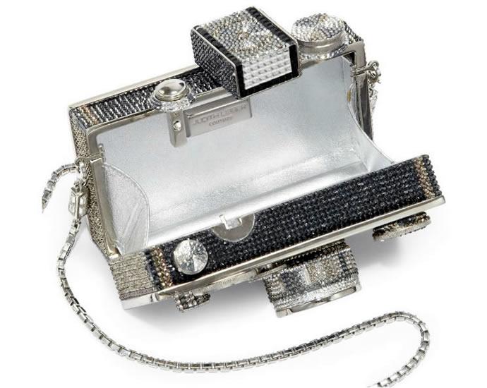 необычный клатч в виде фотоаппарата от Judith Leiber