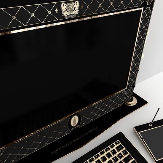 Обновленный iMac украшен кристаллами Swarovski
