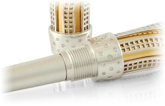 золотые ручки с бриллиантами
